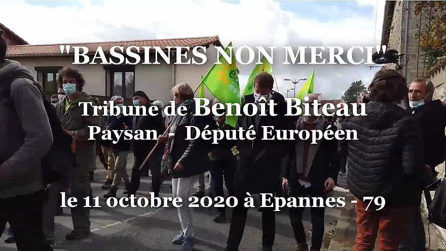 'BASSINES NON MERCI' Benoît Biteau à la tribune durant la grande manifestation du 11 octobre 2020 à Epannes - Deux-Sèvres @BenoitBiteau @EELV #Bassines @guttonm
